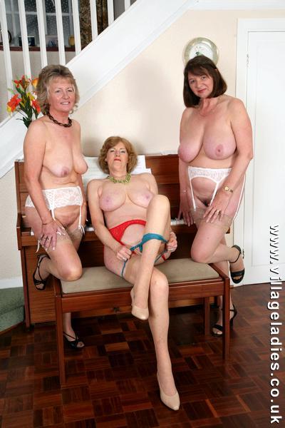 Village Ladies Uk | Download Foto, Gambar, Wallpaper ...